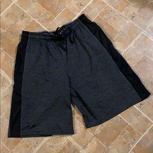 Under Armour athletic shorts size men's medium